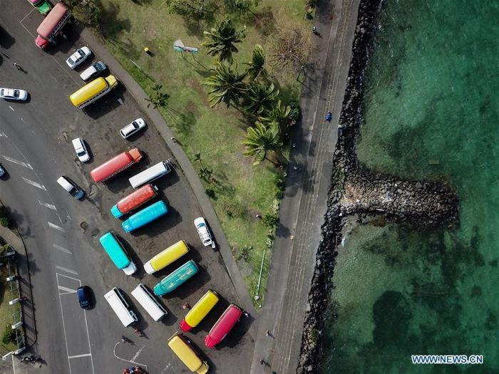 Ini adalah stasiun bus utama Apia, ibu kota Samoa.Foto: Dok. Xinhua/Guo Lei