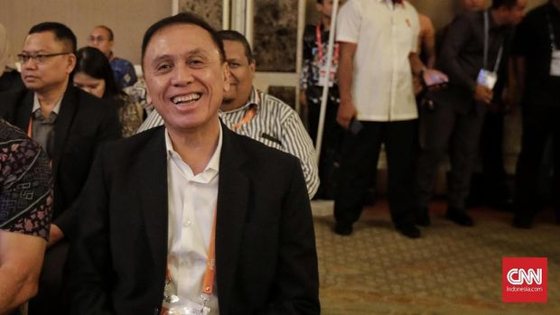 Pelatih Persib Minta Ketua PSSI Baru Berantas Mafia Bola