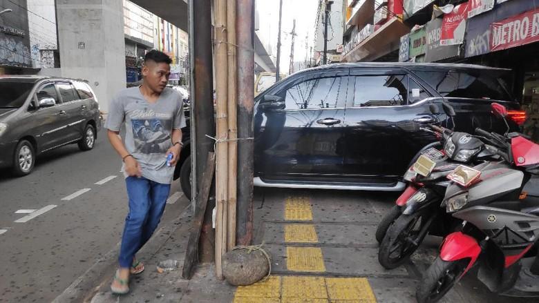 Catat! Parkir Liar di Trotoar Bisa Kena Denda Maksimal Rp 250 Ribu