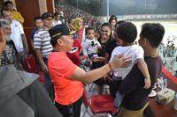Penjelasan Gubernur Kalteng Sugianto Sabran soal Aksi Lempar Botol di Stadion