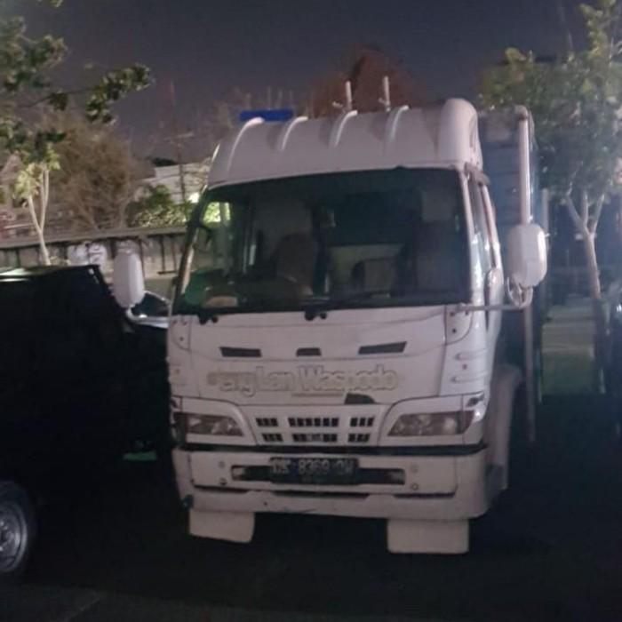 Truk yang dibajak di Surabaya/Foto: Istimewa