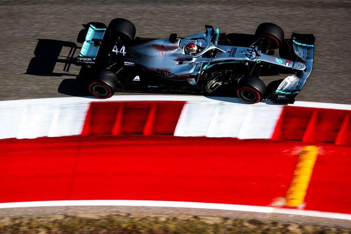 Lewis Hamilton tercepat di latihan bebas kedua GP Amerika Serikat. (Foto: Mark Thompson / Getty Images)