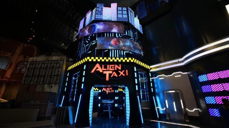 Wahana Alien Taxi di Trans Studio Cibubur (Trans Studio Cibubur)