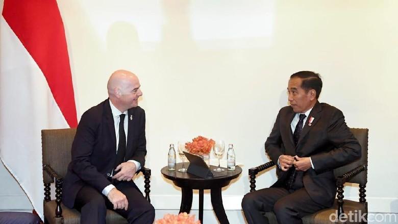 Bertemu Presiden FIFA, Jokowi: Kami Siapkan 10 Stadion untuk Piala Dunia U-20