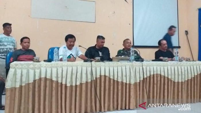 Foto: Konferensi Pers usai perusakan kendaraan dinas Pemprov Bangka Belitung (dok. Antara)