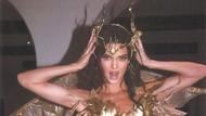 Foto: Kendall Jenner Jadi Peri Seksi, Pakai Karya Desainer Indonesia