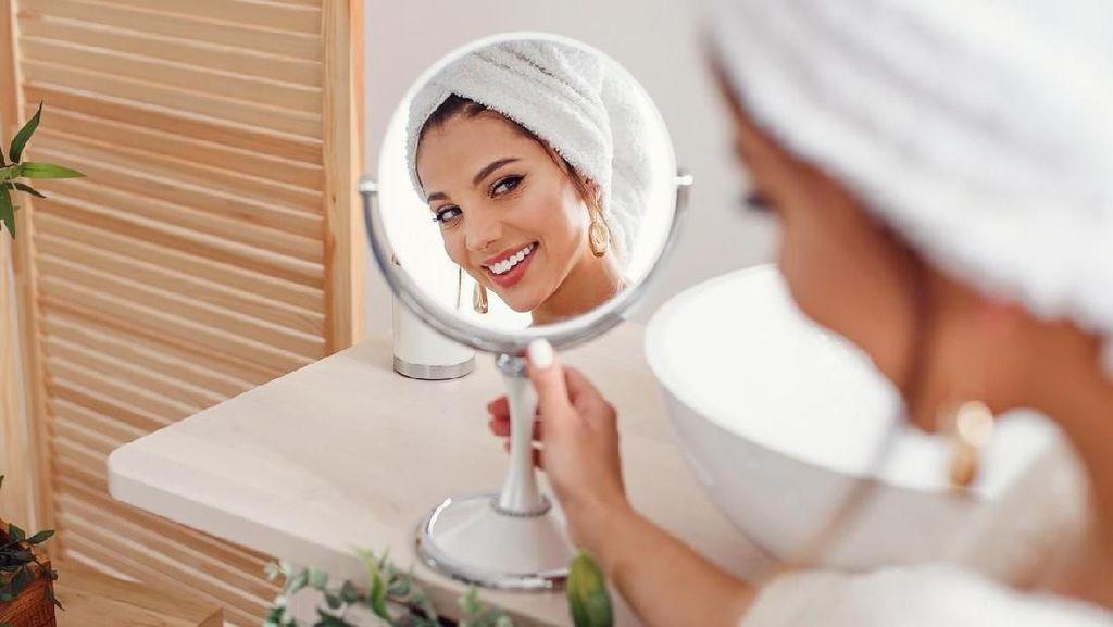 Tren Makeup Wanita Jepang: Riasan Minimalis yang Bikin Wajah Tirus
