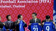 Fix Tuan Rumah Piala Dunia U-20, Jokowi Dapat Jersey No. 21 dari FIFA