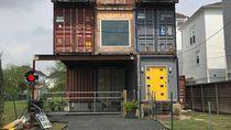 Bikin Takjub, Pria Bangun Rumah Unik Terbuat dari Kontainer Bekas
