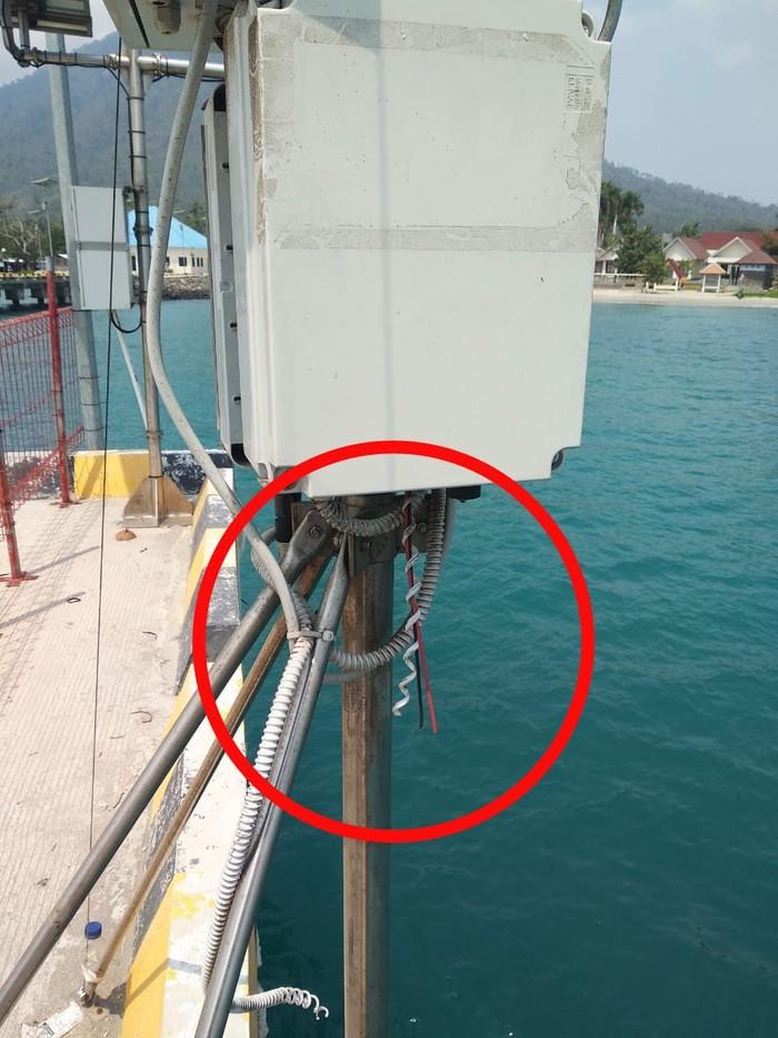 Foto: Penampakan alat peringatan dini tsunami yang dirusak (Dok Istimewa)