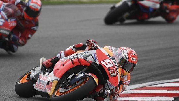 Raih Pole di MotoGP Valencia, Quartararo Iri dengan Marquez