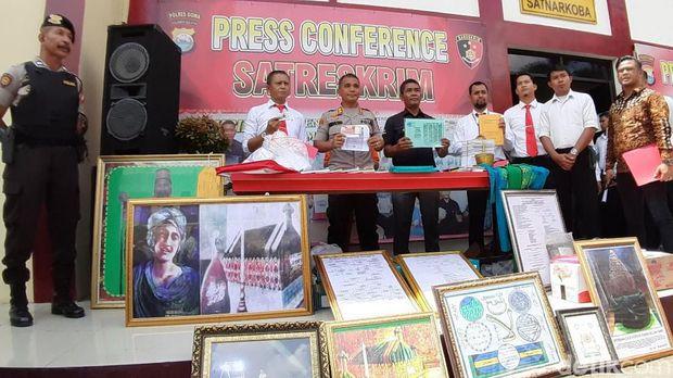 Polres Gowa, Sulsel, merilis kasus penistaan agama dan pencucian uang pimpinan Tajul Khalwatiyah, Gowa, Puang Lallang alias Mahaguru (74)