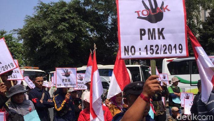 Foto: Demo Petani Tembakau di Depan Kementerian Keuangan, (Vadhia Lidyana/detikFinance)