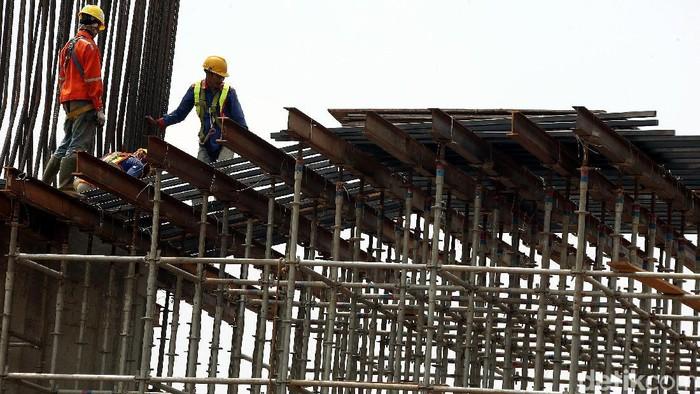 Proyek tol Bekasi-Cawang-Kampung Melayu (Becakayu) sepanjang 16 kilometer (km) ditargetkan beroperasi penuh pada akhir 2019 mendatang. Begini penampakan terkini proyek tol tersebut.