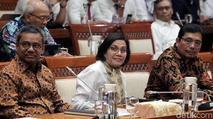 Menteri Keuangan (Menkeu) Sri Mulyani menghadiri rapat kerja perdana bersama Komisi XI DPR RI. Raker itu salah satunya membahas evaluasi kinerja APBN 2019.