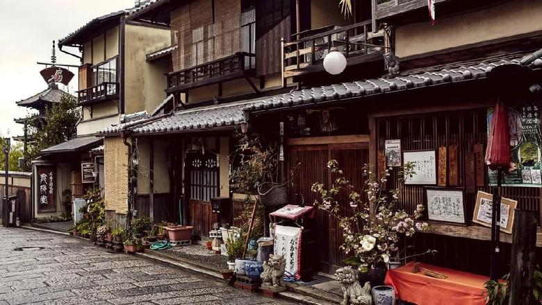 Ilustrasi rumah di Jepang