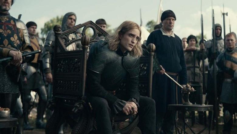 Foto: Robert Pattinson as The Dauphin in The King. (imdb.)