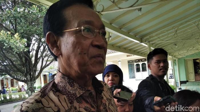 Sri Sultan Hamengku Buwono X di kantor Gubernur DIY.  Foto: Usman Hadi/detikcom