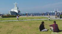 Tempat Liburan Susi di Jepang: Nongkrong di Depan Kapal Pesiar