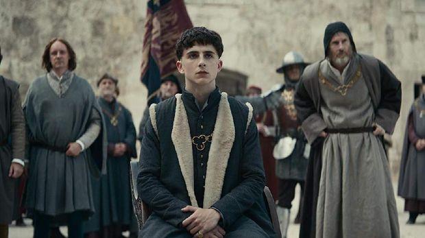 Dilema Timothee Chalamet Jadi Raja Inggris di 'The King'