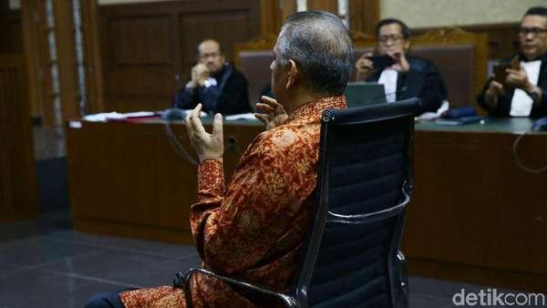 Detik-detik Hakim Vonis Bebas Sofyan Basir