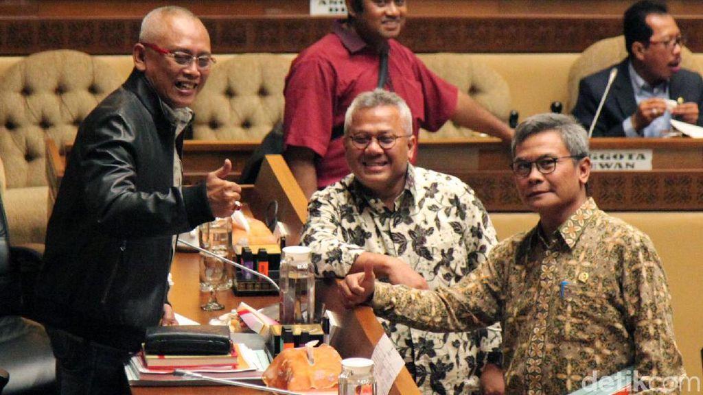 Komisi II Bersama KPU Hingga Bawaslu Rapat Soal PKPU