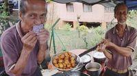 Kakek 73 Tahun Ini Jual Kue Murah Untuk Hidupi 12 Anaknya