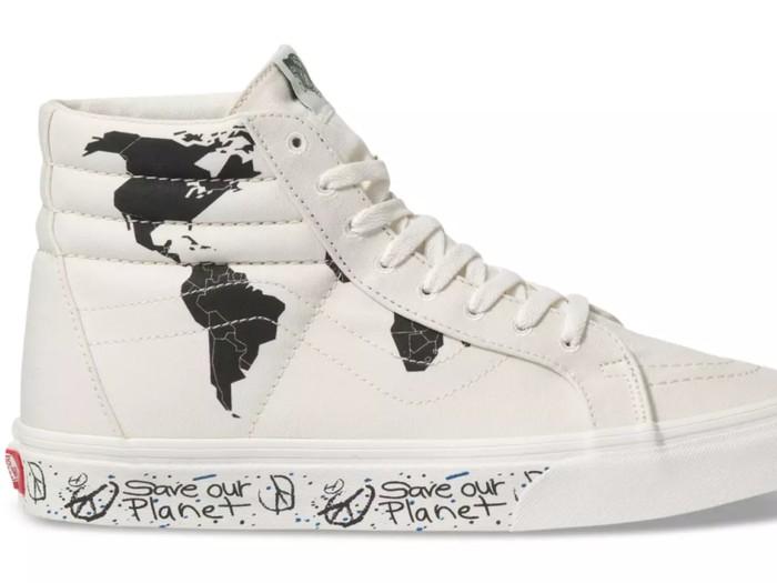 Sneakers Vans Sk8-Hi edisi Save Our Planet. (Foto: Dok. Vans)