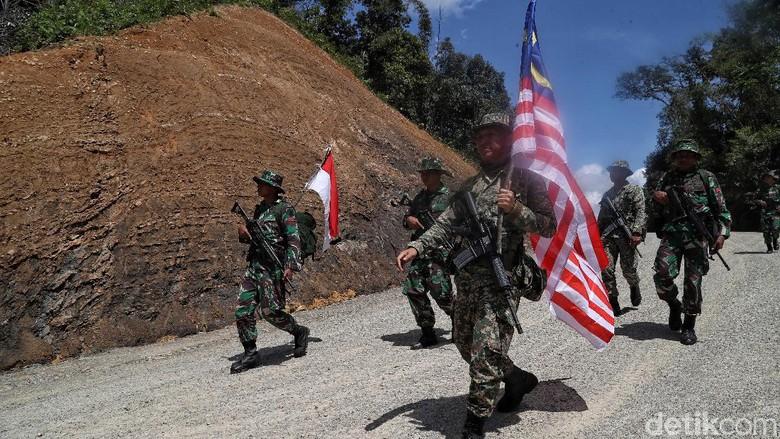 Salam Hormat untuk Tentara Perbatasan RI! (Foto: Pradita/detikcom)