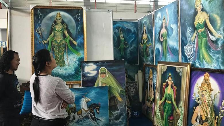 Beragam Potret Lukisan Warnai Indonesian Art Festival 2019
