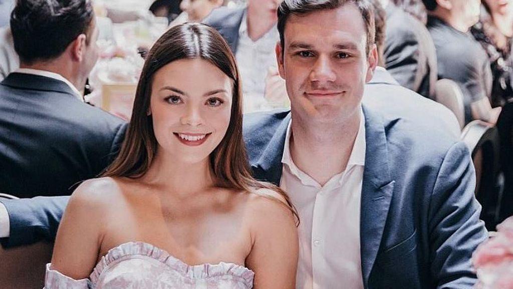 Aktris Harry Potter Dipersunting Pewaris Playboy, Pernikahannya Sederhana