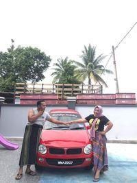 Kisah Wanita Hadiahi Suami Mobil Rp 843 Juta Setelah Sukses Jualan Ayam