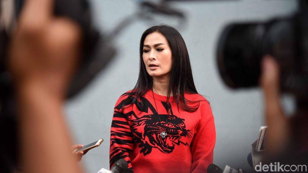 Driver Ojol Ngamuk, Sebut Iis Dahlia Sombong Tak Beretika