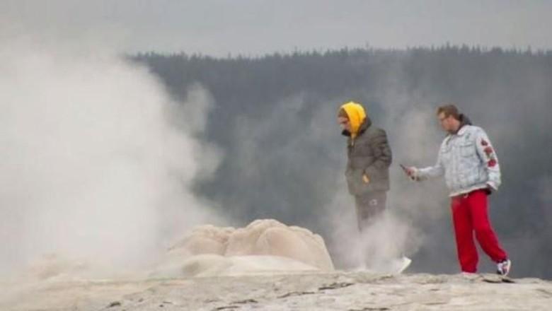 Foto: Turis di Taman Nasional Yellowstone (dok. KRTV)