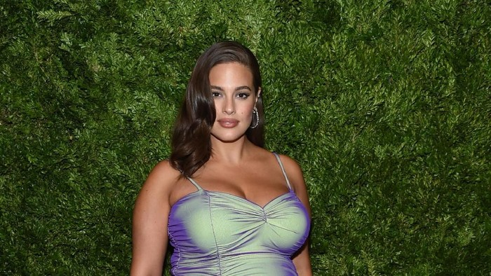 NEW YORK, NEW YORK - NOVEMBER 04: Ashley Graham attends the CFDA / Vogue Fashion Fund 2019 Awards at Cipriani South Street on November 04, 2019 in New York City. (Photo by Jamie McCarthy/Getty Images)