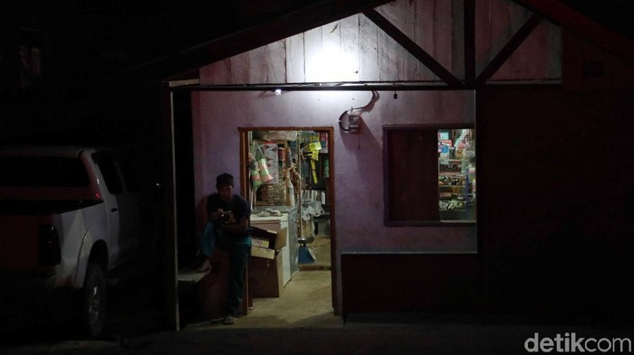 Suasana di Desa Basikor Long Midang tak lagi sunyi dan gelap usai listrik mengalir di kawasan itu. Kehadiran listrik beri asa baru bagi warga di perbatasan RI.