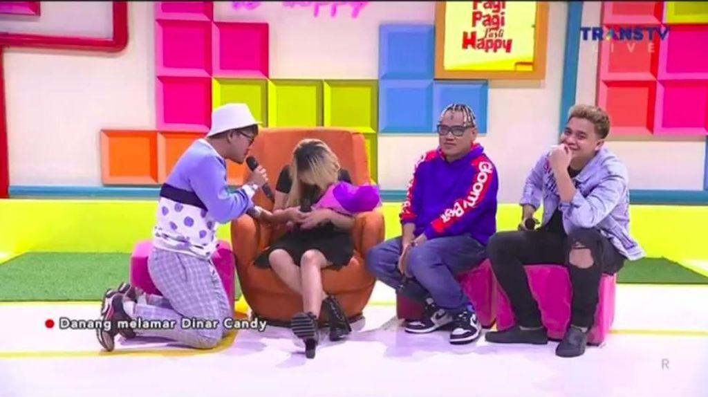 Seriusan Nggak Nih? Danang Lamar Dinar Candy Live di Televisi