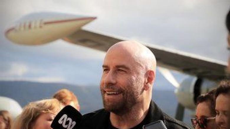 Jhon Travolta Kunjungi Museum Pesawat Yang Akan Tampung Boeing 707 Miliknya Di NSW