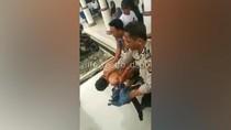 Bak-buk! Pencuri Berpistol di Depok Jadi Bulan-bulanan Massa
