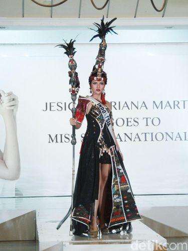 Adat Batak Jadi Inspirasi Kostum Nasional Puteri Indonesia Pariwisata 2019