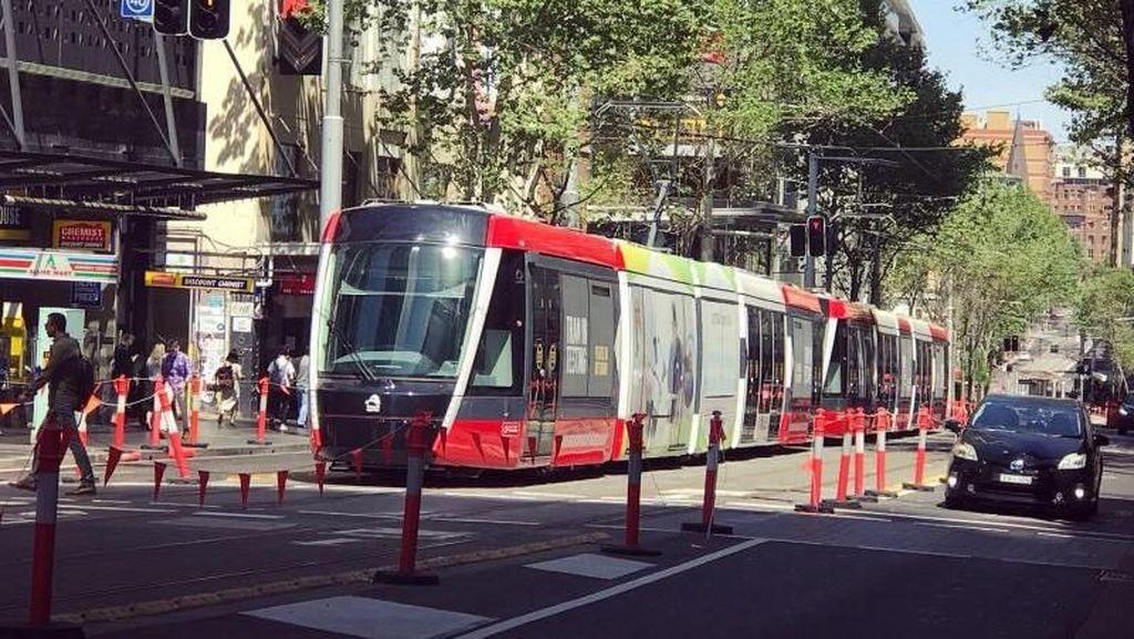 Ini Rasanya Naik Tram Terpanjang di Dunia