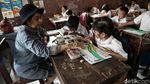 Melihat Sekolah Darurat Ibu Kembar di Utara Jakarta