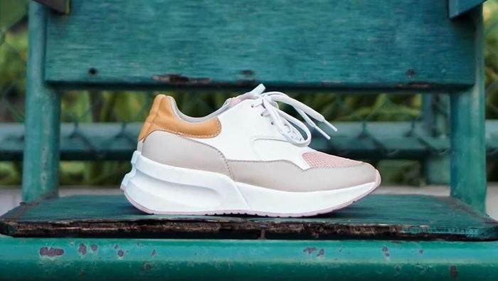 sneakers lokal wanita