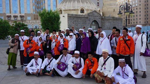 Jemaah Umrah Marbut dan Majelis Taklim DKI di Masjid Abu Bakar-Ali
