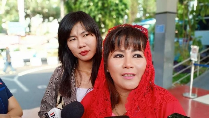 Foto: Dewi Tanjung Polisikan Novel Baswedan (Samsuduha Wildansyah/detikcom)