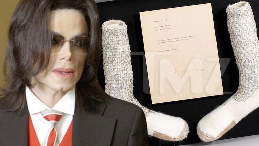 Kaus Kaki Moonwalk Michael Jackson Dilelang, Diperkirakan Laku Rp 18 M