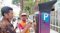 Pemkot Surabaya Terapkan Parkir Pakai Uang Elektronik di Beberapa Tempat