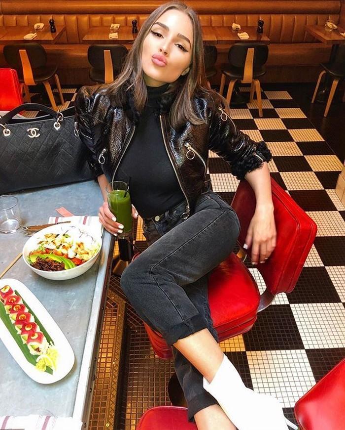Olivia Frances Culpo dikenal sebagai Miss Universe 2012, ia juga aktif sebagai model dan influencer. Lewat akun Instagramnya, Ovilia sering membagikan momen kulinerannya. Foto: Instagram @oliviaculpo