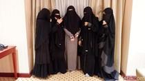 Komunitas Niqab Squad dan Tekad Hapus Stigma Buruk Wanita Bercadar