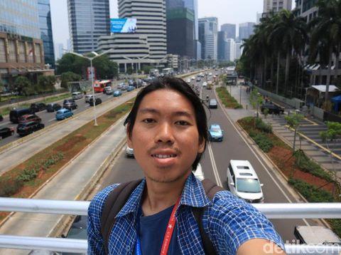 Mau Selfie di JPO Tanpa Atap? Ini Tipsnya